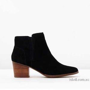 Aldo Lillianne Black Suede ankle booties